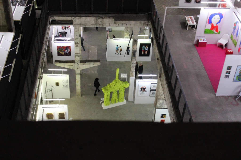 """Berliner-Liste-2013 Blick zur Skulptur """"monumentalWunderlich"""""""