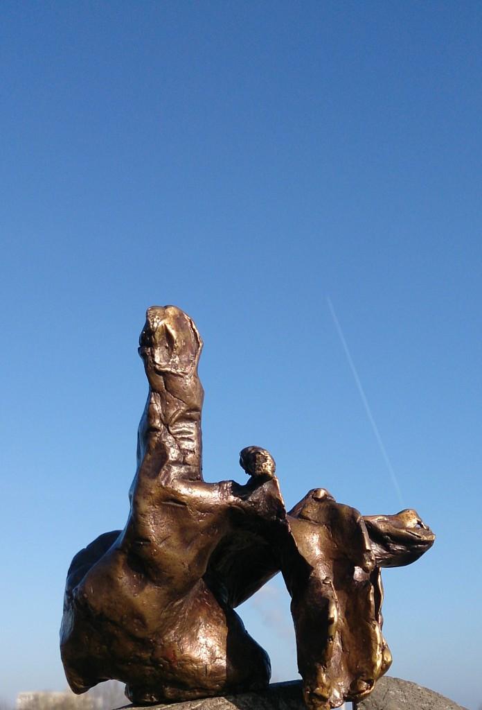 Skulptur Mané Wunderlich Bronze Loslassen II 3/10